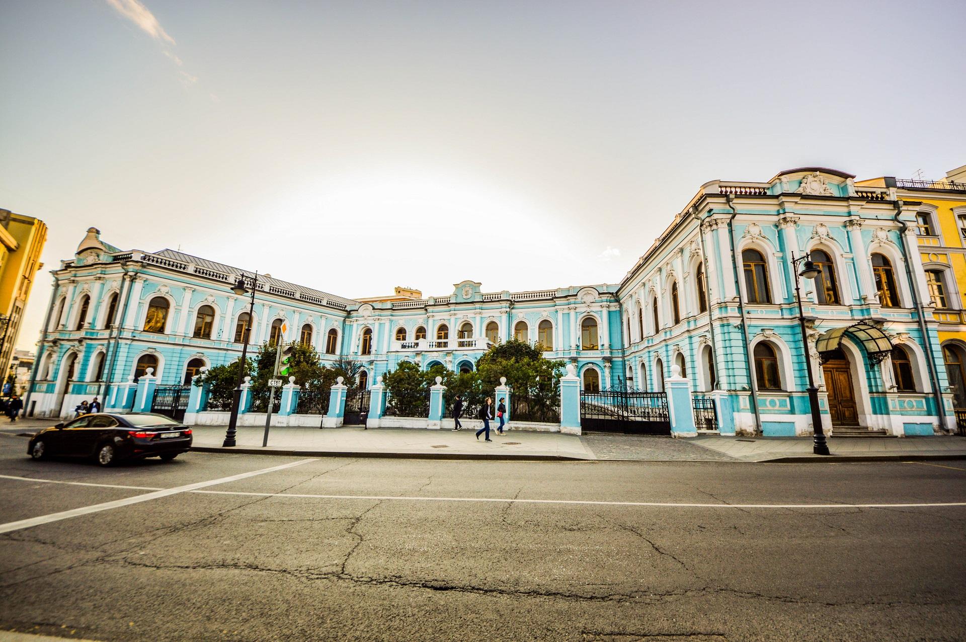 Аренда квартиры в историческом доме: особенности «векового жилья»